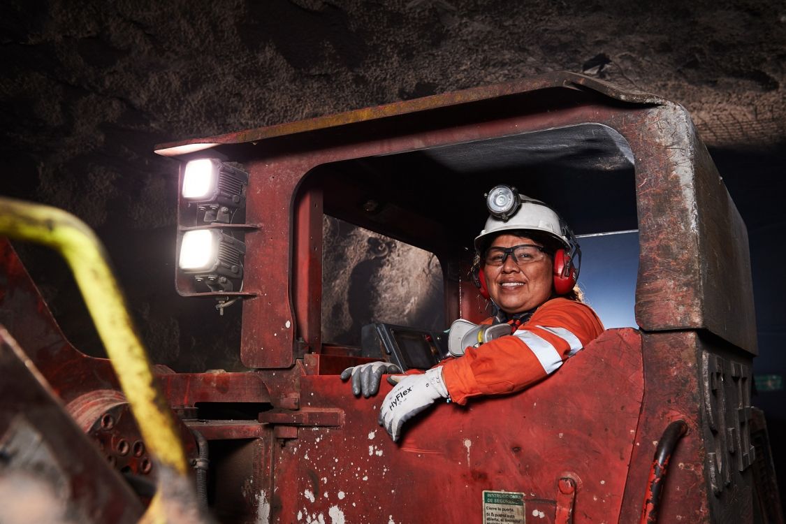 2017 - Vancouver - Corporate - Photographer - Erich Saide - Mining - Leagold - Driver